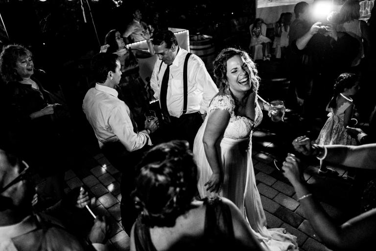 Luis Jurado wedding photographer enjoy